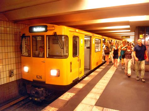Fileberlin Ubahnstation Stadtmitte (u 2) Auf