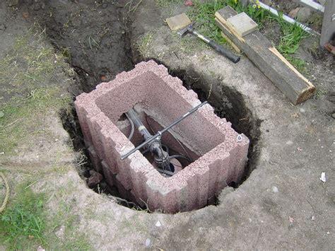 brunnenausbau anschluss der tiefbrunnenpumpe oberhalb des