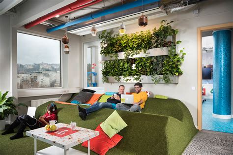 bureaux open space inside s amazing budapest office officelovin 39