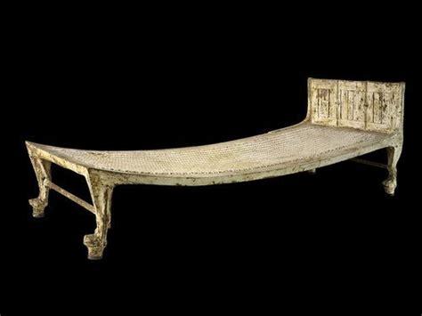 tutankhamuns bed     exhibit travel