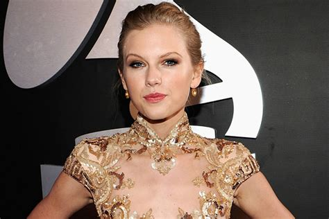 Taylor Swift's New Song 'Eyes Open' From 'The Hunger Games ...