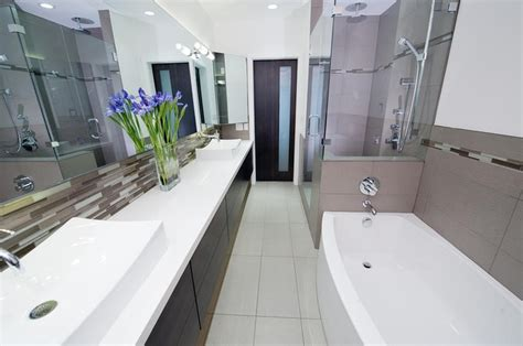 Decorating Ideas For Narrow Bathrooms by Narrow Bathroom X Ideas