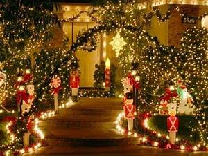 Tips for decorating the garden at Christmas Apartment