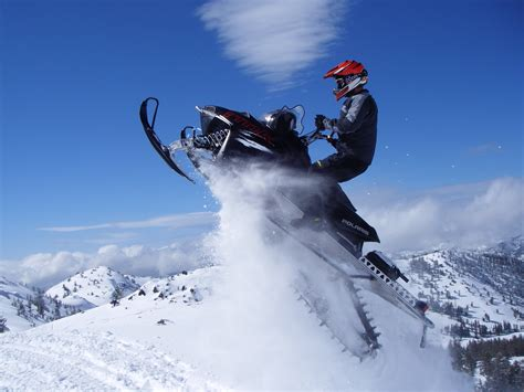 Mountain Adventure Snowmobile Rentals | Renting ...
