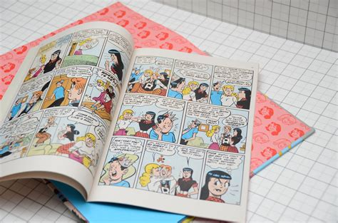 How To Distinguish Between A Comic Book And A Graphic Novel