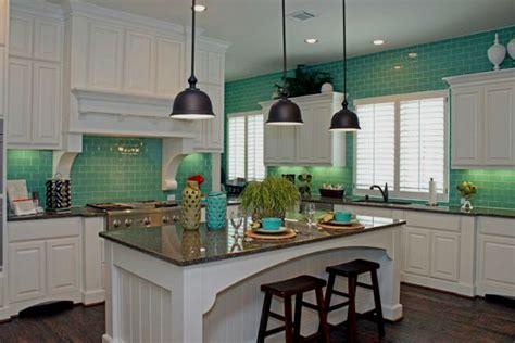 turquoise kitchen tiles мятный цвет в интерьере чистота опрятность свежесть 2970