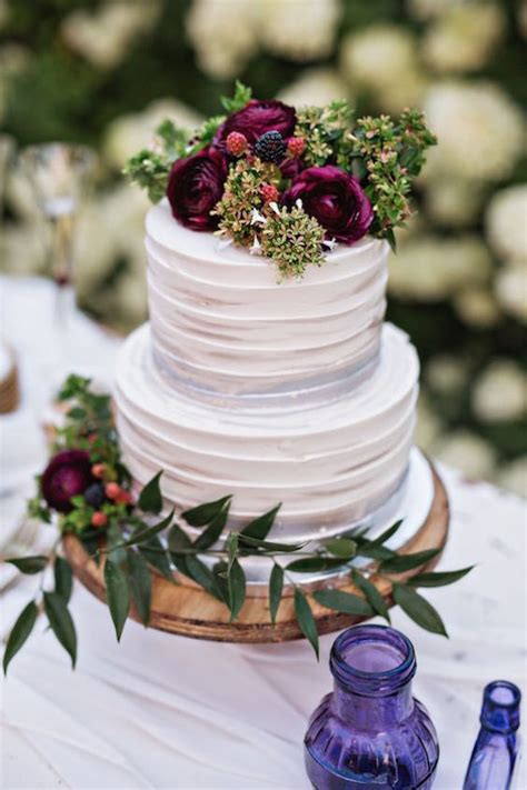 wedding cake flavors   pick  perfect cake flavor