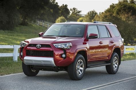 Truck And Suv by 10 Most Popular Midsize Suvs And Crossovers J D Power
