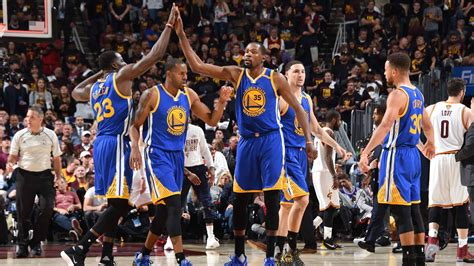 kevin durant rises  occasion puts golden state warriors