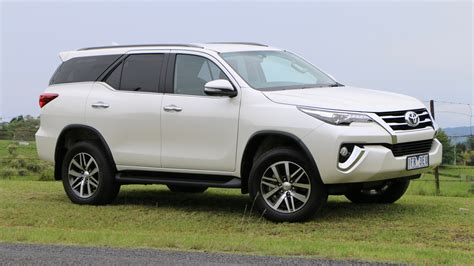 toyota car 2016 2016 toyota fortuner review chasing cars