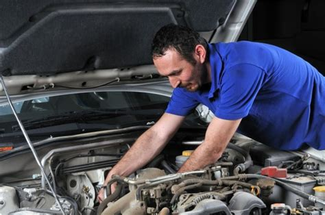 Can a Diesel Mechanic Work on Cars?