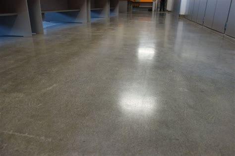 Polierter Betonboden Kosten by Betonboden Schleifen Kosten Estrich Versiegeln Garage