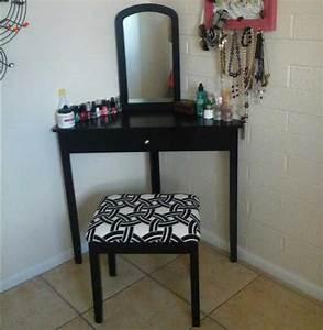 Table De Maquillage Ikea : table de coiffeuse de maquillage d angle en finition noire ~ Teatrodelosmanantiales.com Idées de Décoration