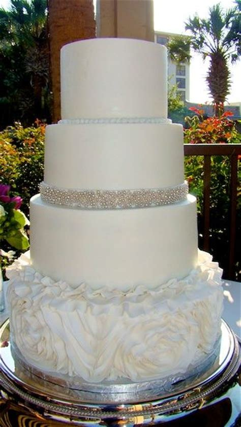 images  smooth buttercream wedding cakes