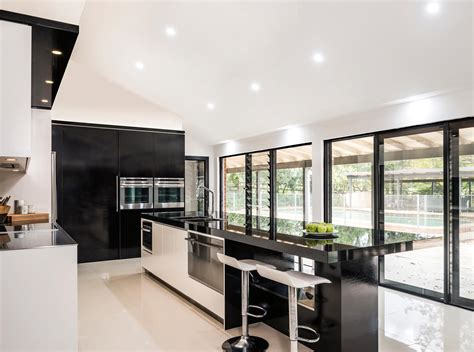 gorgeous two tone kitchen design completehome