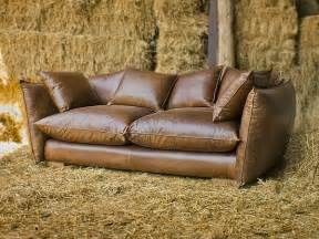 vintage sofa leder vintage style leather sofas could add to the retro look