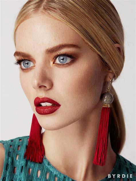 australian actress  girl samara weaving models  seasons   makeup trends