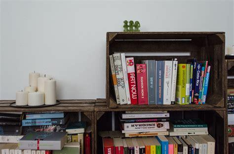 Bücherregal Aus Obstkisten by Diy Regale Aus Obstkisten Felicity Diy