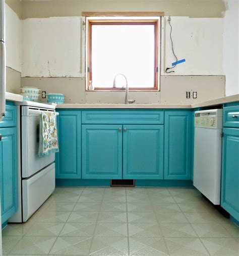 turquoise kitchen table best 25 turquoise kitchen tables ideas on