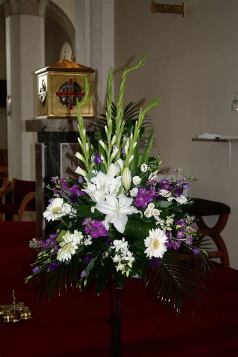 pictures  wedding flower arrangements  church