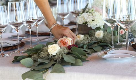 How To Make A Greenery Garland Table Runner With Mini