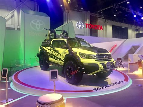 toyota goes xtreme with land cruiser fj cruiser and fortuner