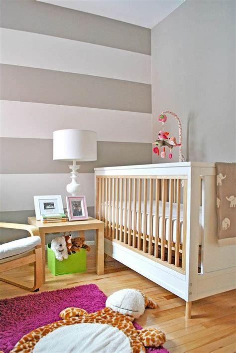 chambre bebe cora papier peint chambre contemporain