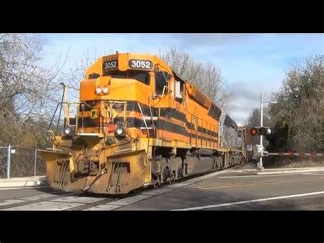 hd pw  freight train crossing  robertsoregon