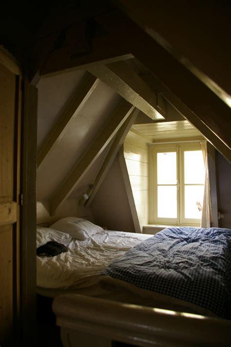 Schlafzimmer Unterm Dach Ragopigeinfo
