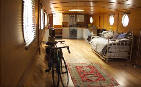 House Boat To Rent London by 8 Best Airbnb Houseboat And Narrowboat Rentals In The Uk