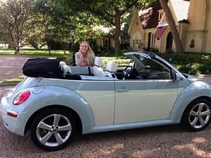2010 Volkswagen New Beetle Convertible Final Edition