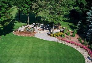 Landscaping designs newsonairorg for Big front yard landscaping ideas