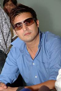 Download Jimmy Shergill turns producer with Dharti ...
