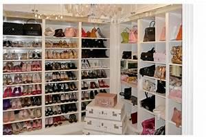 Idee Rangement Chaussure : petit meuble rangement chaussures id es de d coration int rieure french decor ~ Teatrodelosmanantiales.com Idées de Décoration