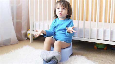 bebe sur le pot airnounou garde d enfant et service pour parents
