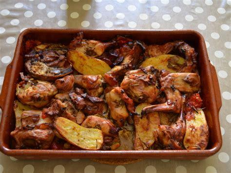 cuisiner le lapin au four lapin rôti au four qui cuit tout seul recette de lapin