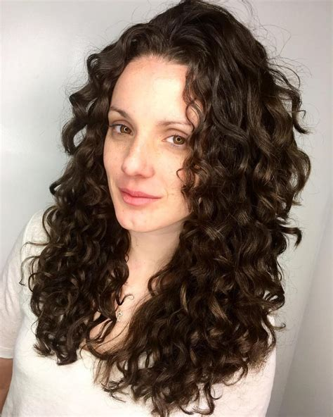 cutest hairstyles  long curly hair