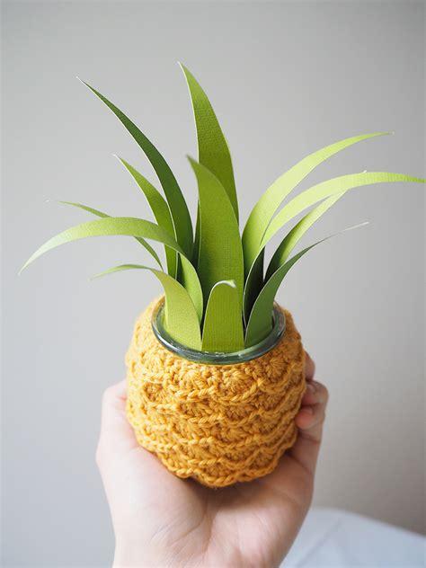 planter un ananas en pot diy un pot ananas en crochet les moustachoux