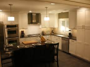 kitchen cabinet crown molding ideas how to install kitchen cabinet crown molding how tos diy