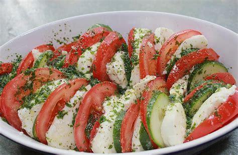 gurken und tomaten tomaten mozarella gurken salat rezept mit bild chefkoch de