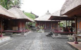 Balinese House Compounds: a Microcosom of the Universe - Kashgar