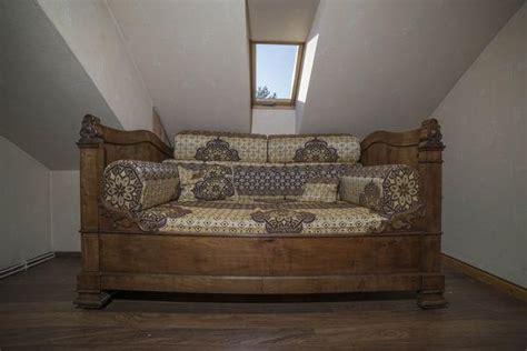 lit en hauteur avec canapé lit canapé ancien clasf