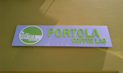 To be specific, this portola coffee lab is in the union market right next to the kroft. Food And Such Things: Portola Coffee Lab