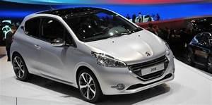 Voiture Collaborateur Peugeot : peugeot et total pr parent le lancement d 39 une voiture hybride lectricit et essence challenges ~ Medecine-chirurgie-esthetiques.com Avis de Voitures