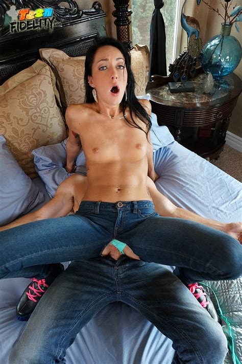 He Fucked Me While Fucked Her