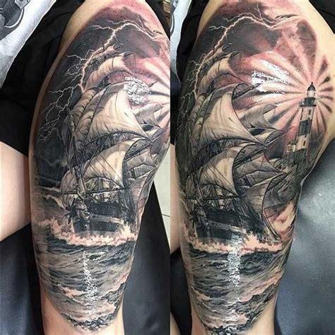 Beeindruckende Segelschiffe  Tattoos Oberarm, Tattoo