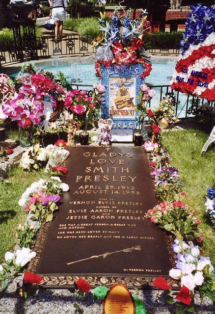 gladys love smith presley death gladys love smith presley graceland memphis tn