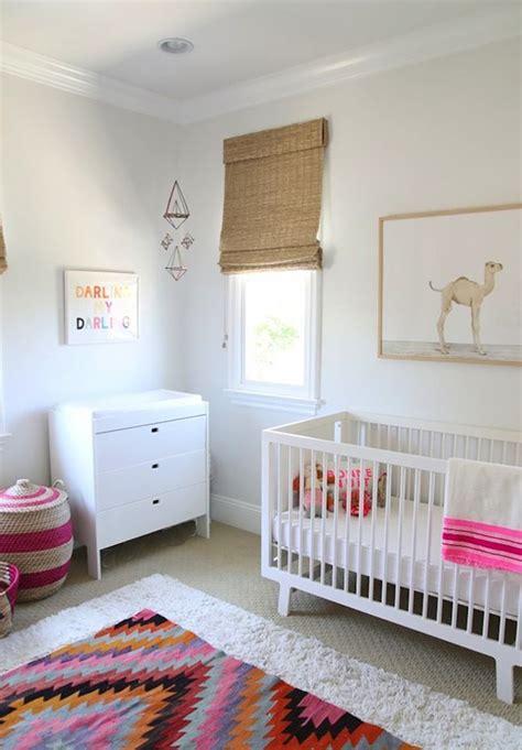 panier a linge chambre bebe décoration chambre bébé garçon et fille jours de joie et