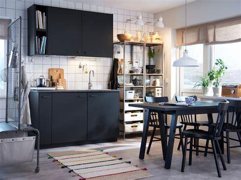 table cuisine rangement table avec rangement cuisine cuisine monochrome avec