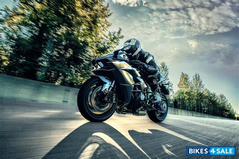 Kawasaki Ninja H2 Carbon Price, Specs, Mileage, Colours